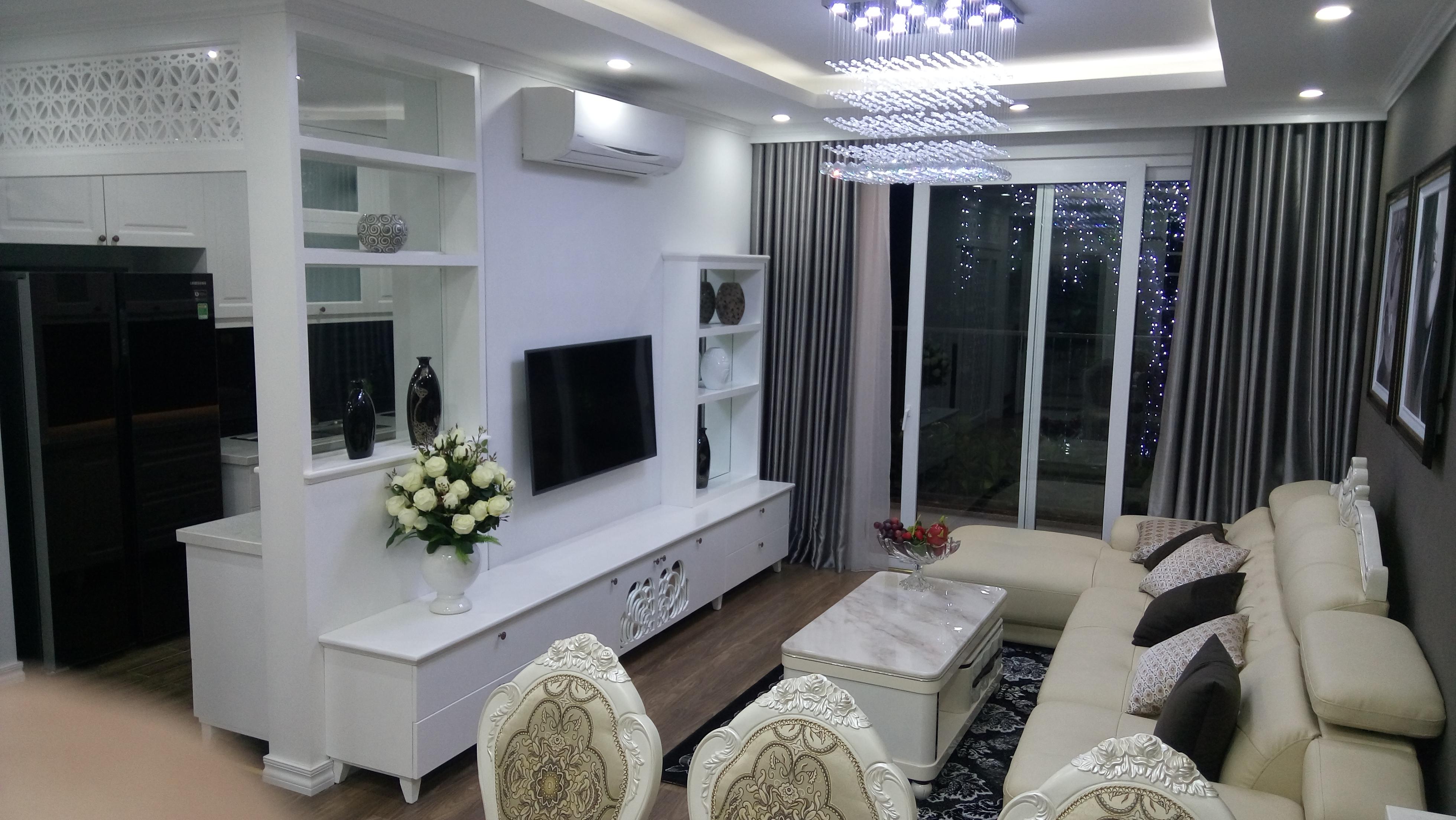Phòng khách tại Riverside Garden 349 Vũ Tông Phan