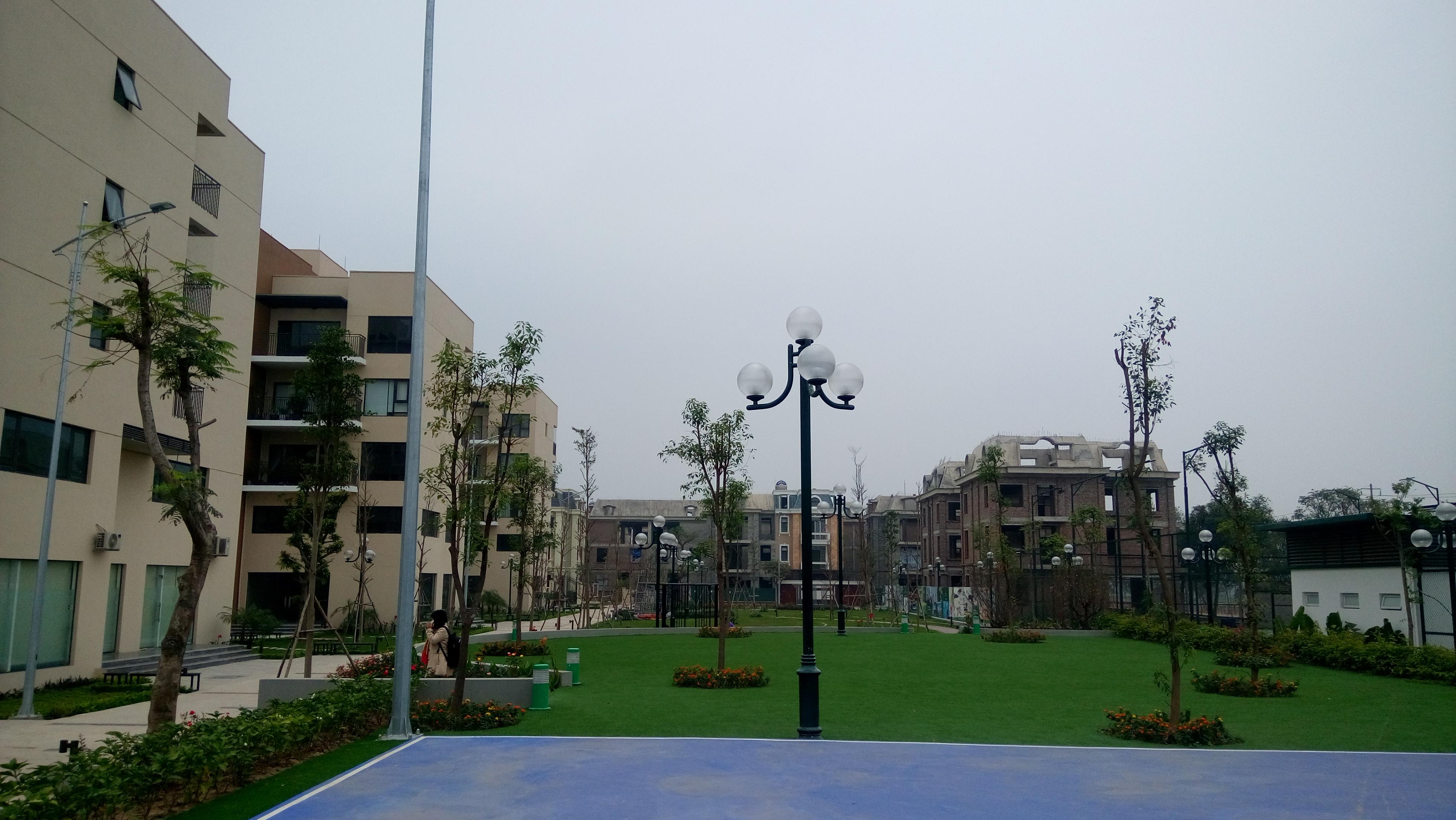 Khuôn viên xanh tại 18T2 Viethung Green Park
