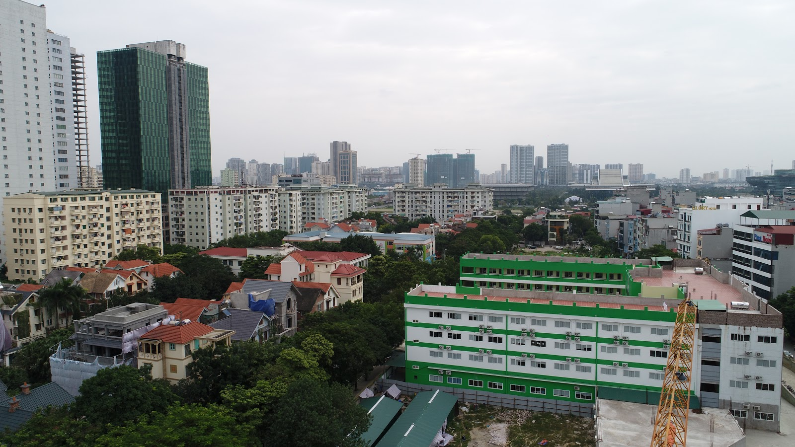 View Đông Nam ra trường lô mô nô sốp và bảo tàng hà nội