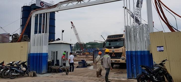 cổng vào công trường dự án Chung cư Hope Residences