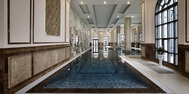 bể bơi bốm mùa Tân Hoàng Minh Nguyễn Văn Huyên D'.Palais de Louis