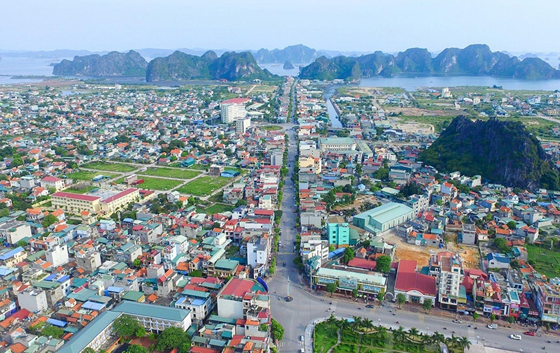 Vòng xuyến trung tâm cách Green Dragon TTP Cẩm Phả chỉ 1km