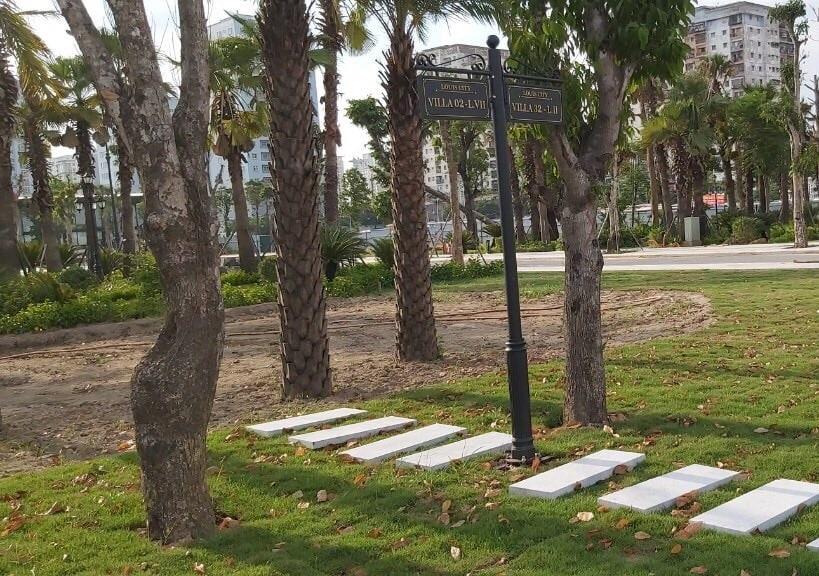 Biển tên đường nội khu Dự án Louis City Hoàng Mai tháng 10 năm 2020