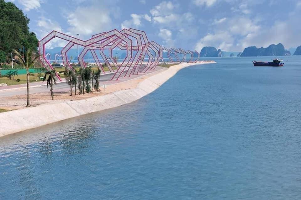 Địa điểm checkin số 1 view vịnh Bái Tử Long khi du khách đến Vân Đồn