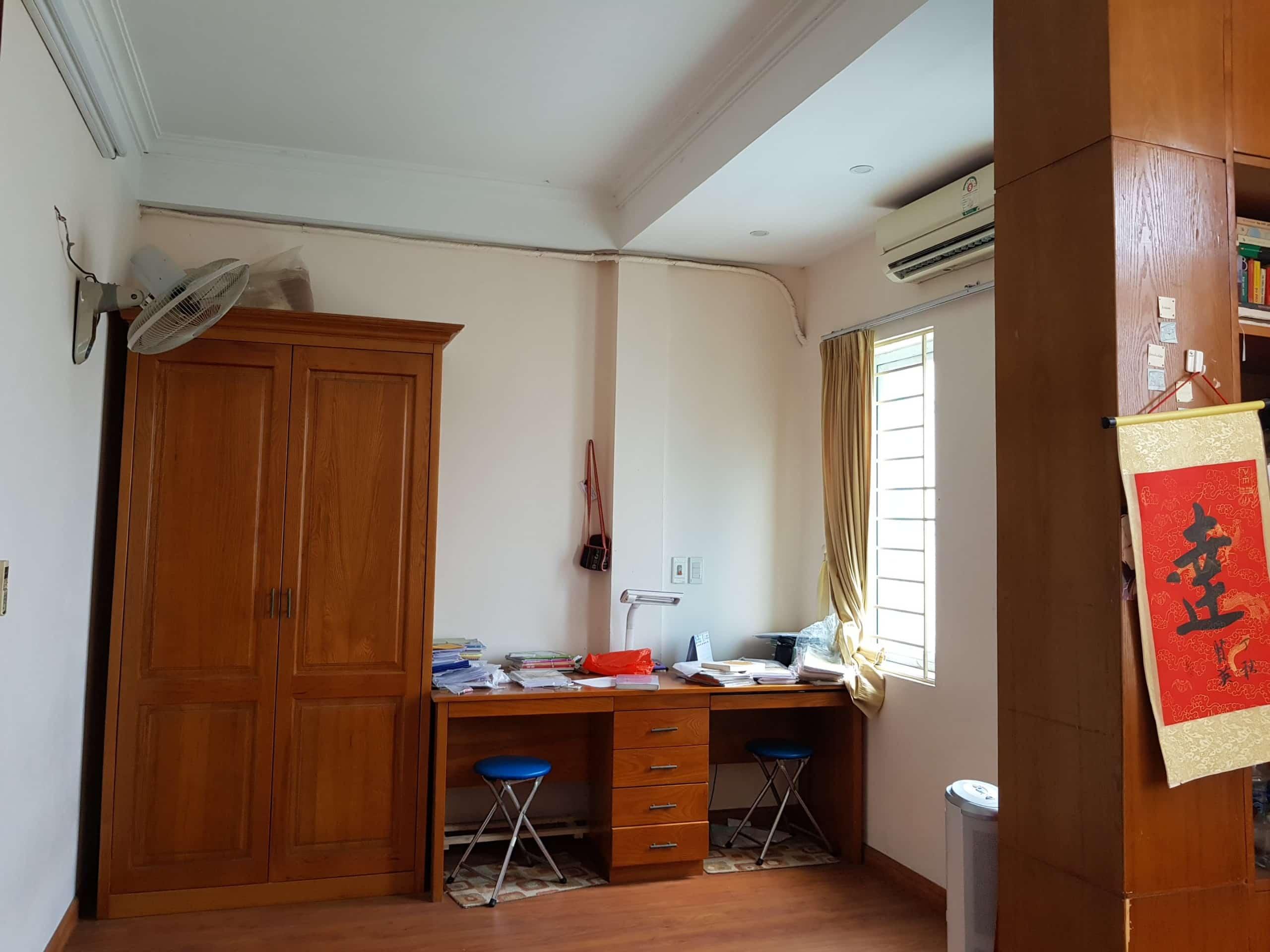 Phòng ngủ nhà ngõ phố Tứ Kỳ - có tất cả 4 phòng ngủ