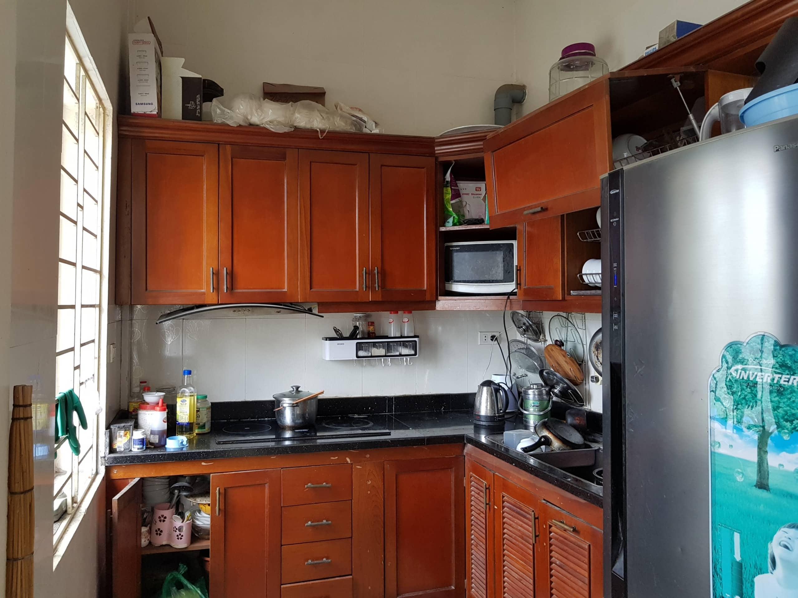 Bếp đầy đủ thiết bị không phải mua sắm thêm gì cả