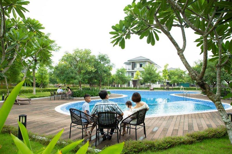 Bể bơi ngoài trời tại Clubhouse 1 đã vận hành thực tế