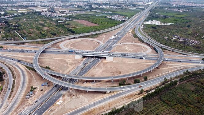 Nút giao thông 4 tầng hoa thị Cổ Linh - Biểu tượng thịnh vượng thủ đô Hà Nội Mới 2021