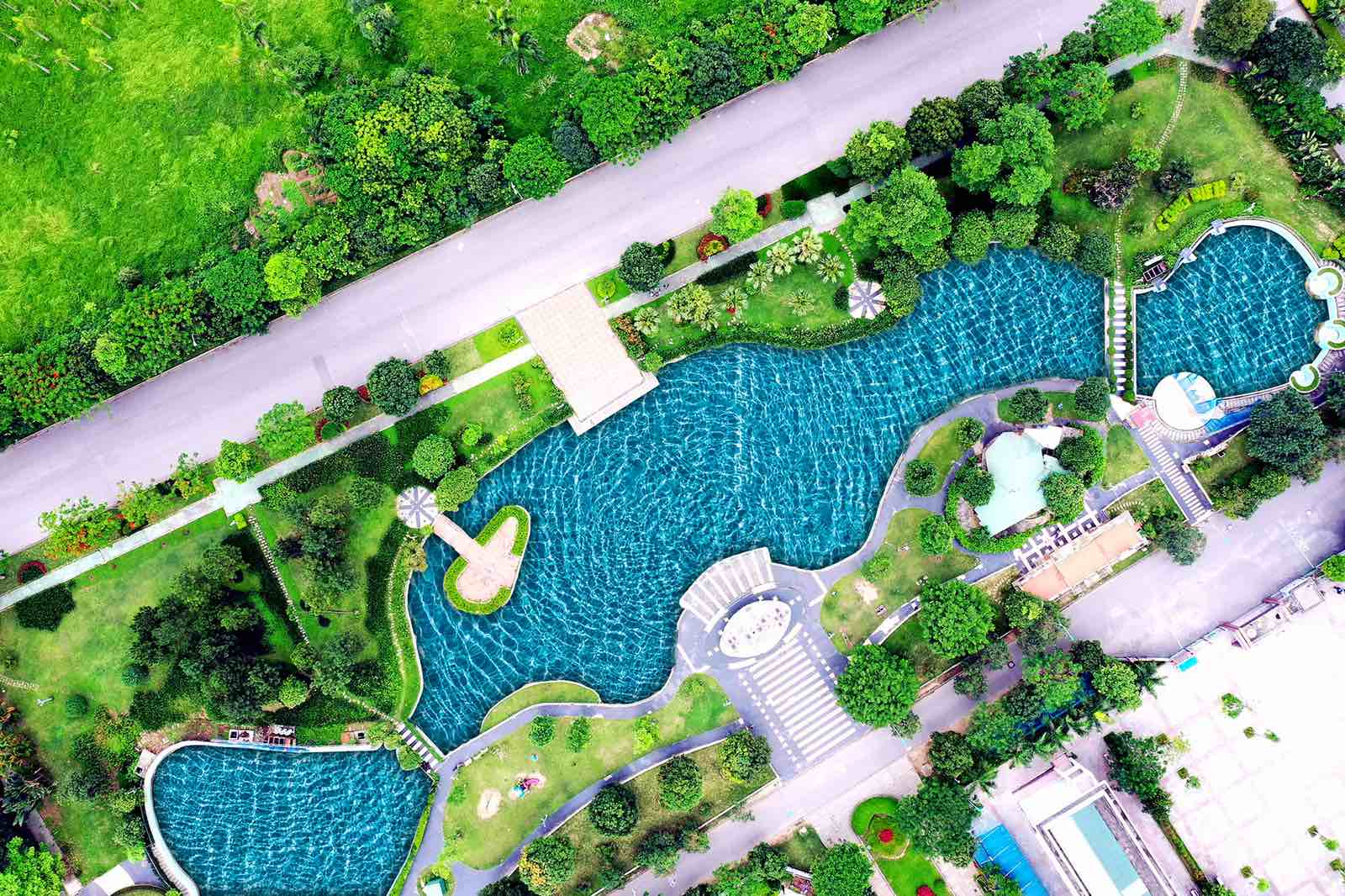 Hồ điều hòa trong Công viên trung tâm 5ha giữa 2 trường học Cao Bá Quát KĐT Đặng Xá